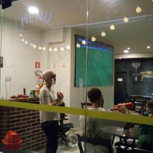 Telões em restaurantes